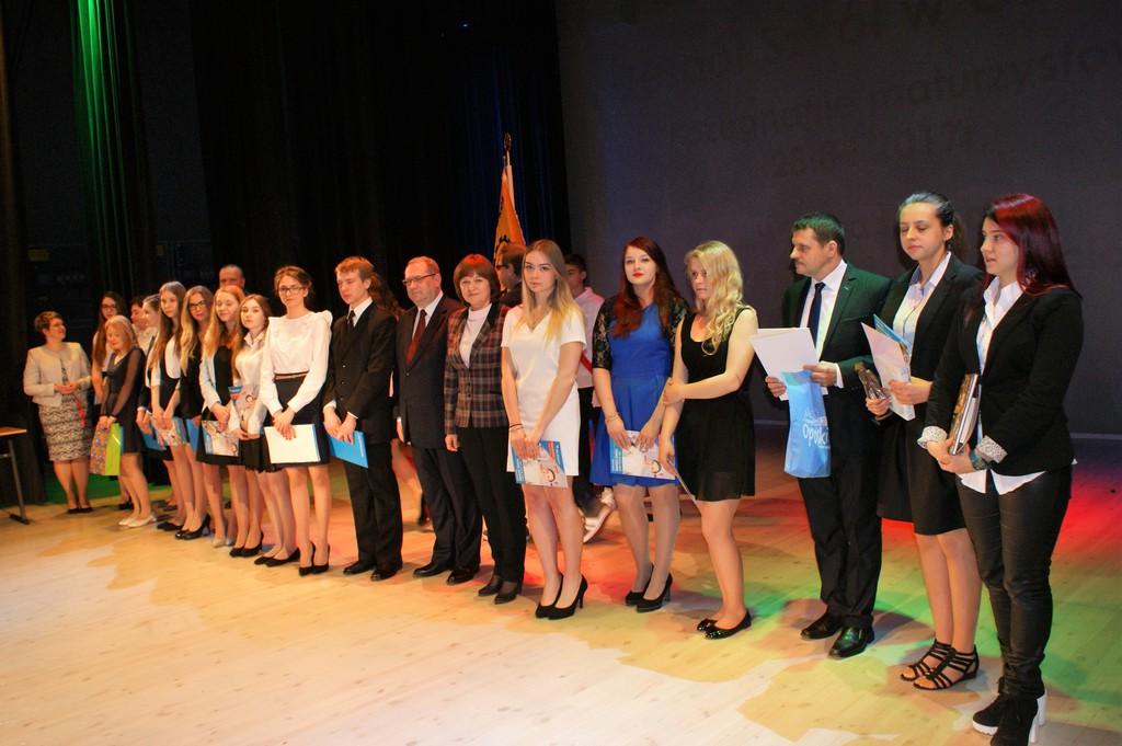 Zakończenie roku szkolnego dla maturzystów w ZS w Ozimku