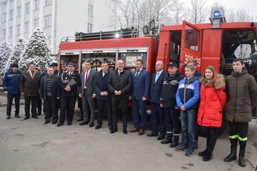 Przekazanie wozu strażackiego 11.01.18