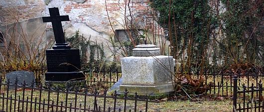 Zabytkowy cmentarz ewangelicki w Prószkowie