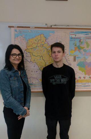 Jakub Mroz z nauczycielem