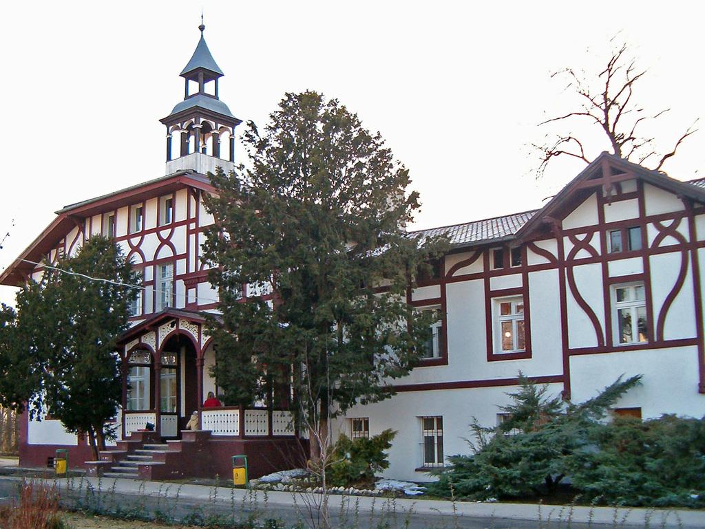 Budynek szkoły.jpeg